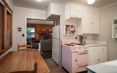 Kitchen with vintage pink Wedgewood stove